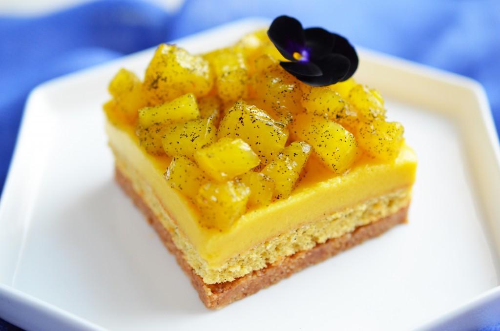 Zoom gâteau mangue-ananas